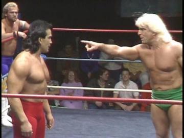 """Dois exxemplos de lutadores que sabiam e muito como usar """"os quatro cantos do ringue"""""""